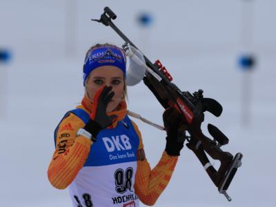 Biathlon, Anna Weidel torna al successo nell'inseguimento di IBU Cup a Brezno Osrblie. 25esima Samuela Comola