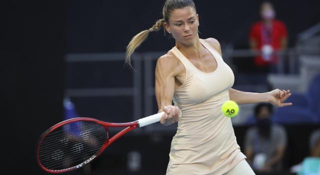 WTA Lione 2021: Camila Giorgi supera in due set Viktoria Kuzmova e passa agli ottavi. Bene Ferro e Babos. Eliminata Alexandrova