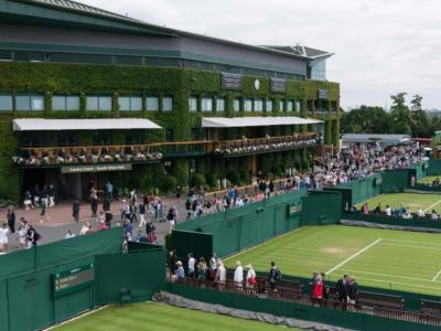 Tennis: a Wimbledon possibili alberghi anti-Covid per i giocatori. Misure simili anche al Queen's