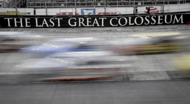 NASCAR, la pioggia cancella le gare di qualifica a Bristol