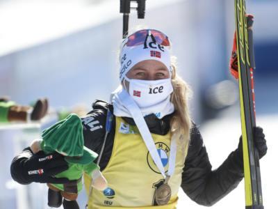Biathlon, Tiril Eckhoff è la nuova regina della Coppa del Mondo! Vittoria nell'inseguimento e sfera di cristallo, Wierer quinta