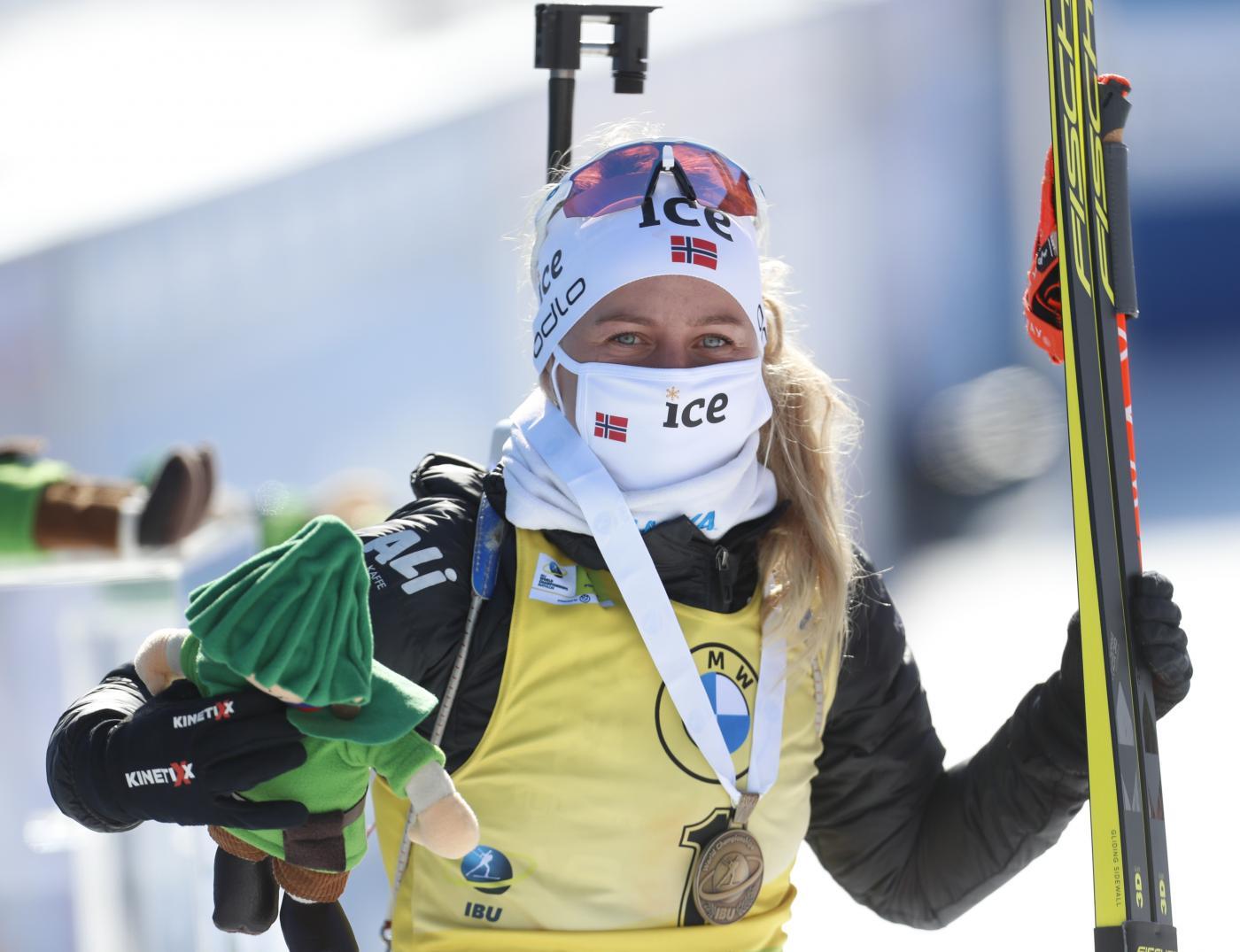 Biathlon, Eckhoff si conferma imbattibile nell'inseguimento di Nove Mesto. Incubo azzurro