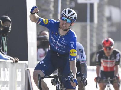 Oxyclean Brugge-De Panne 2021: Sam Bennett supera tutti allo sprint. Quarto Giacomo Nizzolo