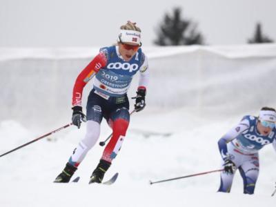 LIVE Sci di fondo, 10 km Mondiali in DIRETTA: Therese Johaug oro, Karlsson e Andersson sul podio. Bene Francesca Franchi con il 16° posto