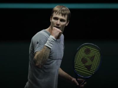 ATP Dubai 2021, Alexander Bublik al secondo turno con Sinner, Kei Nishikori torna al successo. Si ritira Tsonga