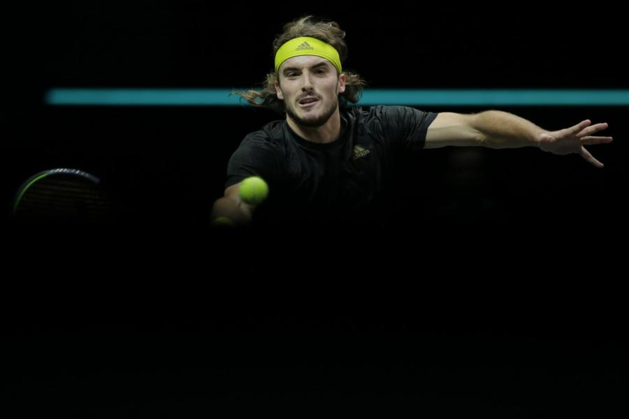 "Tennis, Stefanos Tsitsipas: ""Vorrei una carriera lunga quanto Federer"""