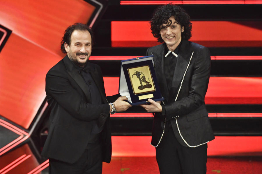 "VIDEO Ermal Meta 3° classificato Sanremo 2021: la canzone ""Un milione di cose da dirti"""