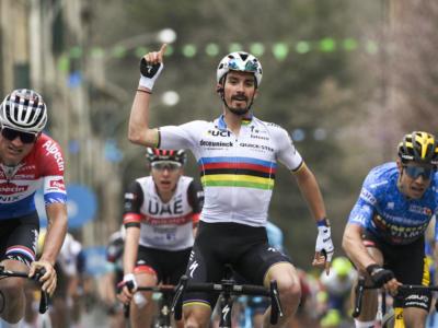 Milano-Sanremo 2021: la startlist e l'elenco dei partecipanti. Spicca il golden trio Van Aert-Van der Poel-Alaphilippe