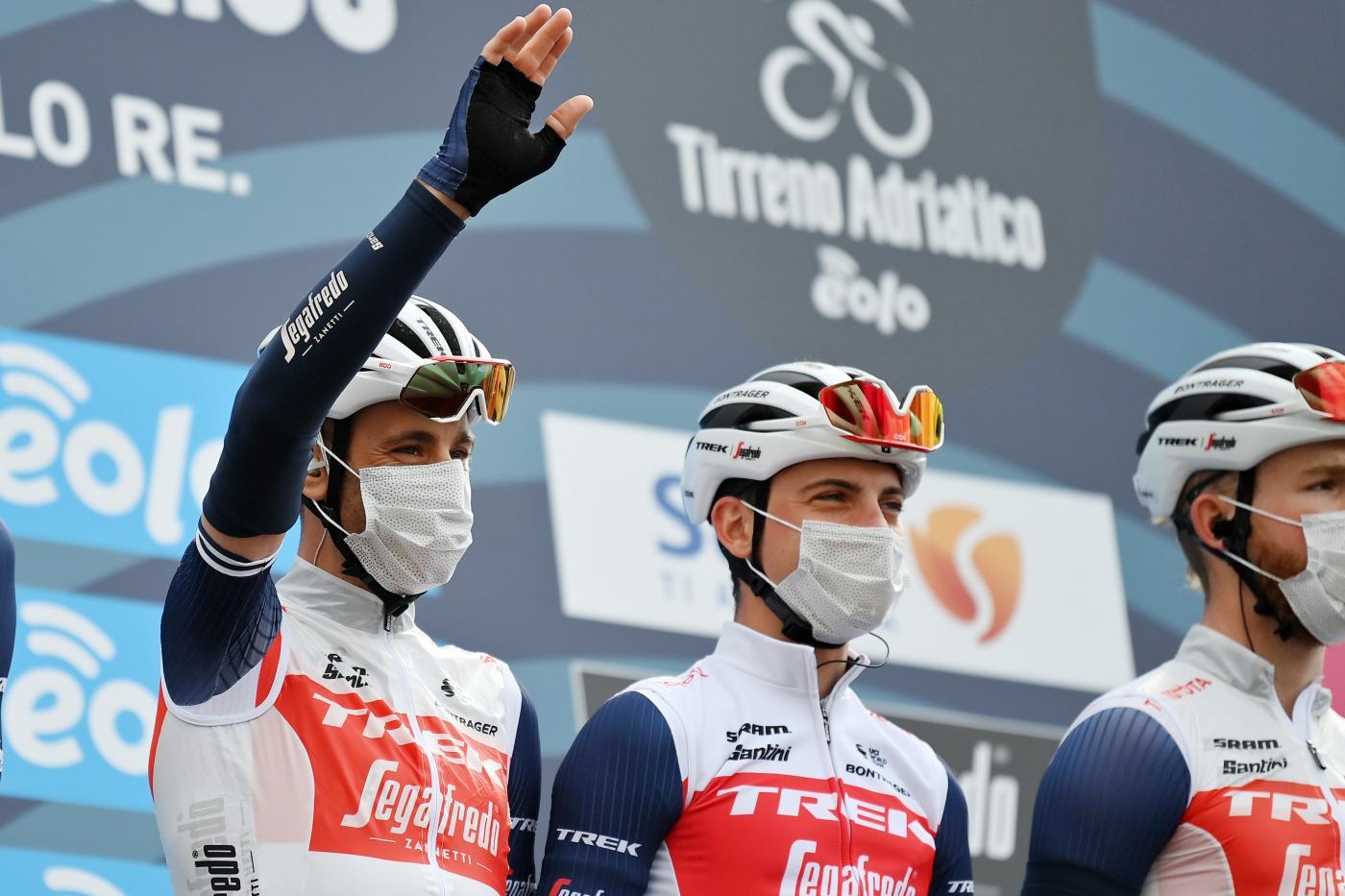 """Ciclismo, diverbio tra Ciccone e Nibali! """"Ero scattato, ha riportato tutti sotto""""; """"E' un ragazzo del Sud come me"""""""