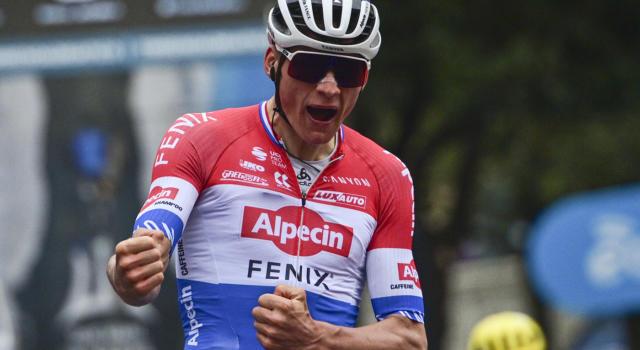 """Mathieu van der Poel si ritira dal Giro di Svizzera. """"Leggero raffreddore, non compromette il Tour de France"""""""