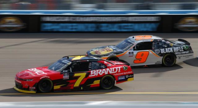 NASCAR Xfinity Series, Justin Allgaier resiste a Martin Truex e vince ad Atlanta