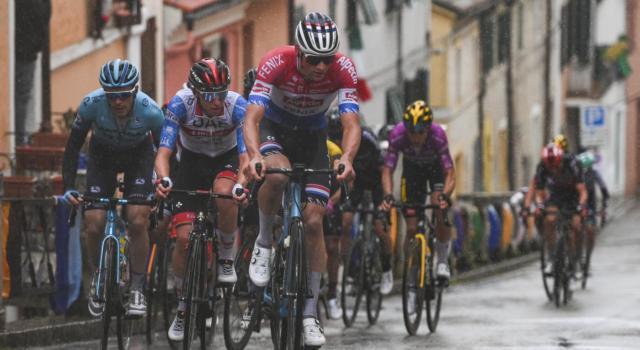 E3 Saxo Bank Classic Harelbeke 2021: Van Aert e van der Poel si sfidano nell'antipasto del Giro delle Fiandre
