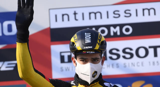 """Giro delle Fiandre 2021, Wout van Aert: """"Crollato sul Kwaremont. Mi sono mancate le gambe"""""""