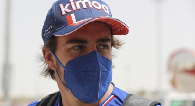 """F1, Fernando Alonso: """"La macchina si adatta alle difficoltà, lottare con la Ferrari era impossibile a Imola"""""""