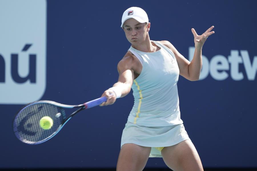 Tennis, Ranking WTA (19 aprile): Ashleigh Barty sempre in vetta, Camila Giorgi sempre la n.1 d'Italia