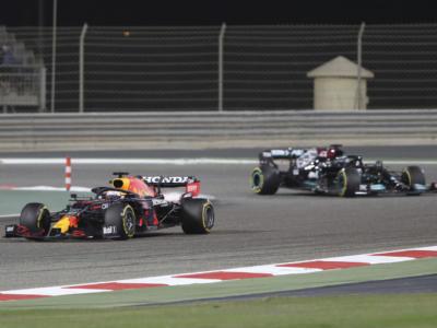 """F1, Michael Masi si pronuncia sull'episodio Hamilton-Verstappen: """"Giusto restituire la posizione perché tratto un vantaggio"""""""