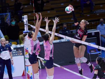 Serie A1 volley femminile: Busto Arsizio supera in trasferta 3-1 Casalmaggiore. Meravigliosa Camilla Mingardi