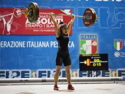 Sollevamento pesi, Europei 2021: Giulia Imperio di bronzo, triplo oro per Monica Csengeri