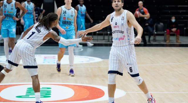 Basket: Stefano Mancinelli positivo al Covid-19 con sintomi. Il capitano della Fortitudo Bologna in isolamento