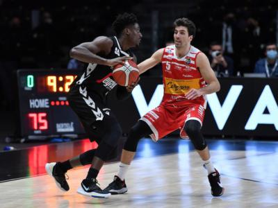 LIVE Pesaro-Virtus Bologna 70-75, Serie A basket in DIRETTA: la Segafredo torna a vincere in trasferta dopo lo stop di Brindisi