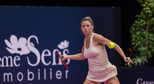 WTA Lione 2021, giovani al potere: avanzano Clara Burel e Clara Tauson. Camila Giorgi ai quarti di finale