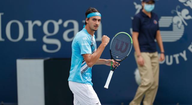 VIDEO Lorenzo Sonego-Laslo Djere 2-1, highlights e sintesi Finale ATP 250 Cagliari. Italiano in trionfo!