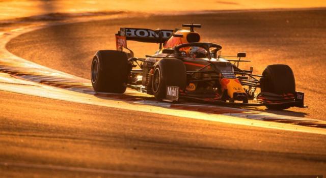 """F1, Max Verstappen: """"Le macchine sono troppo larghe ora. Le mie preferite erano quelle del 2006 e 2007"""""""