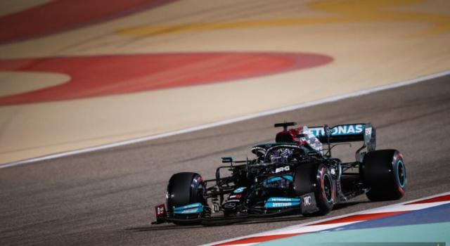 Ordine d'arrivo F1, GP Bahrain 2021: risultati e classifica. Vince Lewis Hamilton, sesto Charles Leclerc