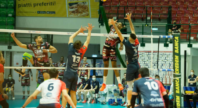 Volley, Playoff SuperLega: Perugia vince la seconda battaglia con Monza, 2-0 in semifinale scudetto