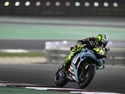 VIDEO MotoGP, GP Doha 2021: gli highlights delle qualifiche. Martin in pole, Valentino Rossi penultimo