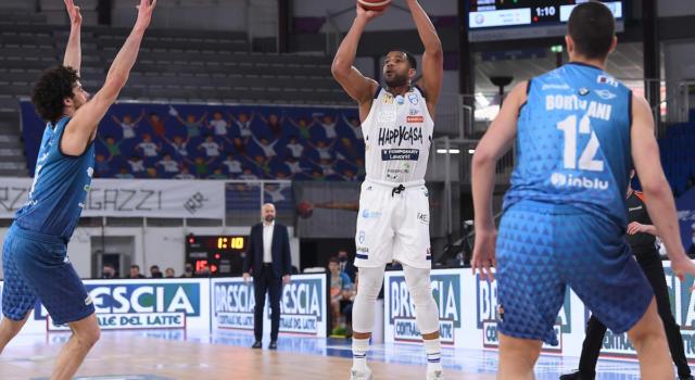 Basket: mezzogiorno di felicità per Brindisi, che espugna Brescia e si tiene il 2° posto in Serie A