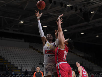 Basket femminile, il Famila Schio batte Venezia e si aggiudica la Coppa Italia 2021