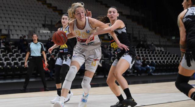 Basket femminile: Reyer Venezia, terzo quarto d'autore per il pass verso la semifinale di Coppa Italia. Eliminata San Martino di Lupari