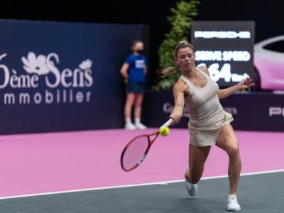 WTA Lione 2021, Camila Giorgi la spunta contro Nina Stojanovic nel tie-break del 3° set e accede ai quarti di finale