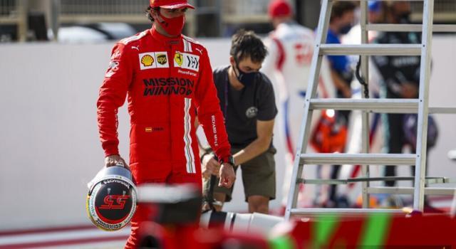 """F1, Carlos Sainz: """"L'inizio è incoraggiante, ora dobbiamo proseguire e cercare i dettagli giusti anche in vista del 2022"""""""