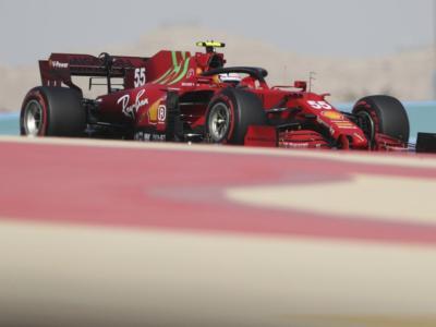 F1, Verstappen mette paura alla Mercedes nelle FP3. Convince ancora la Ferrari con Sainz