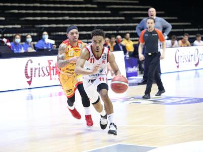 Basket: Reggio Emilia tira troppo bene, Pesaro costretta ad arrendersi nel posticipo della 24a di Serie A
