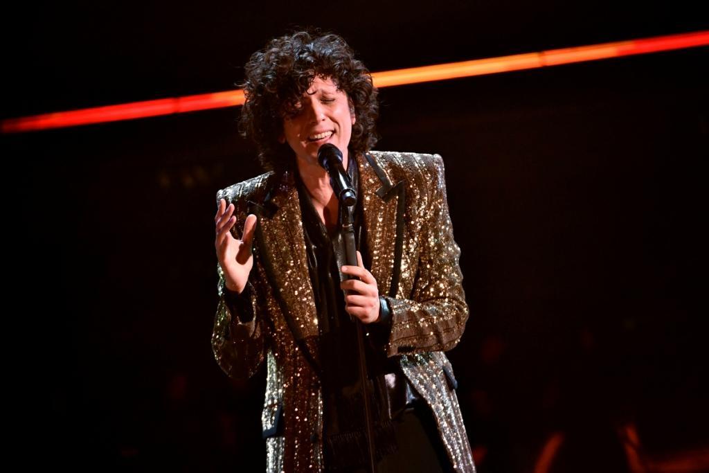 LIVE Sanremo 2021 in DIRETTA venerdì 5 marzo: Mahmood infiamma l'Ariston! Gaudiano trionfa tra i Giovani!
