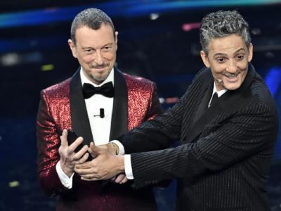 LIVE Sanremo 2021 oggi, Finale in DIRETTA. TRIONFANO I MANESKIN! Fedez e Michelin ed Ermal Meta battuti in volata