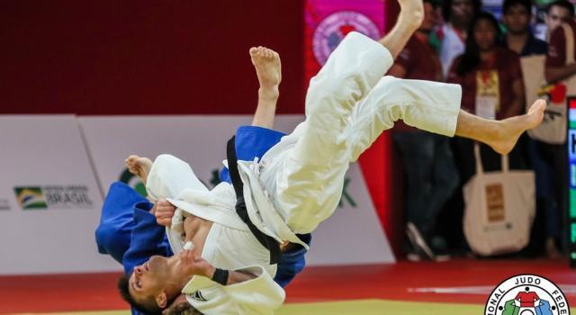 Judo, Mondiali 2021: Giovanni Esposito eliminato agli ottavi di finale, pass olimpico a Fabio Basile nei 73 kg