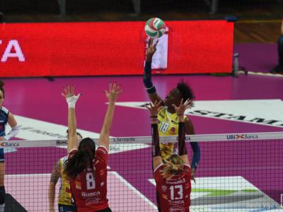 Volley, Champions League 2021 semifinale. Conegliano concede il bis ed espugna Novara (0-3), finale a un passo