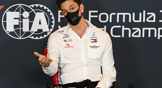 """F1, Toto Wolff: """"Una decisione su Russell-Bottas dopo la pausa estiva"""""""