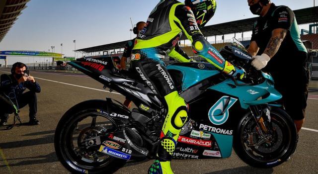 MotoGP, Valentino Rossi cerca risposte nelle libere di Portimao. Torna Marc Marquez!