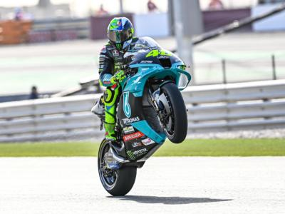 """MotoGP, Valentino Rossi: """"Va un po' meglio, non valgo questo. Morbidelli merita una moto ufficiale"""""""