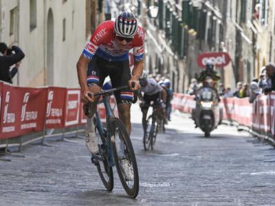 Mathieu van der Poel regna su Siena al termine di una gara dominata di gambe e di testa