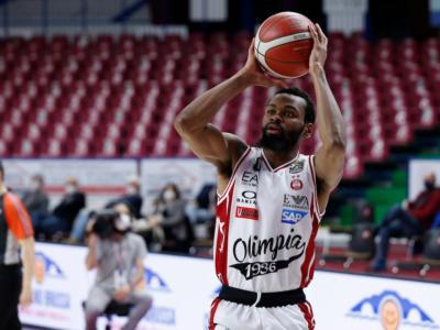 Basket, Eurolega 2021: l'Olimpia Milano surclassa la Stella Rossa di Belgrado e vola ai playoff
