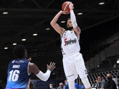 Basket, 24^ giornata Serie A 2021: la Virtus fa suo il derby, la Fortitudo crolla nel finale