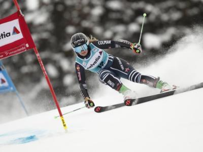 Sci alpino, Alice Robinson rimonta e vince il gigante di Lenzerheide. Brignone quarta