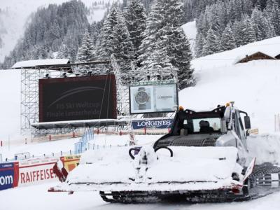 Sci alpino, nebbia e 20 cm di neve: rinviato l'inizio dei superG di Lenzerheide