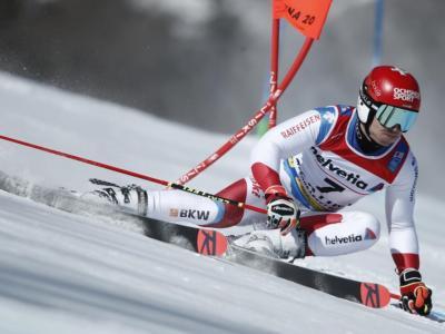 Sci alpino, Loic Meillard comanda il gigante di Kranjska Gora. Pinturault 2° ed Odermatt 4°, azzurri lontani